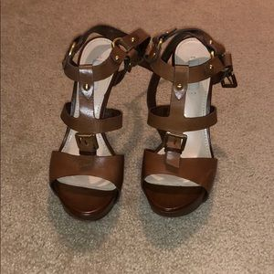 brown guess shoes